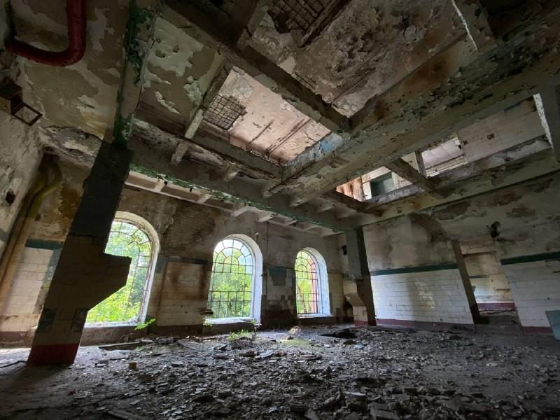 Руйнується і розсипається: як виглядає одна з найстаріших промислових садиб Подолу, завод Ріхерта