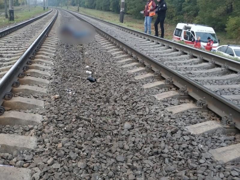 """На залізничних коліях поблизу станції """"Тарасівка"""" загинула жінка (ФОТО)"""