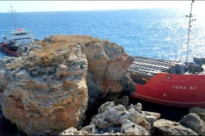 Дістанеться всім. У Чорному морі затонув корабель з хімікатами (ВІДЕО)