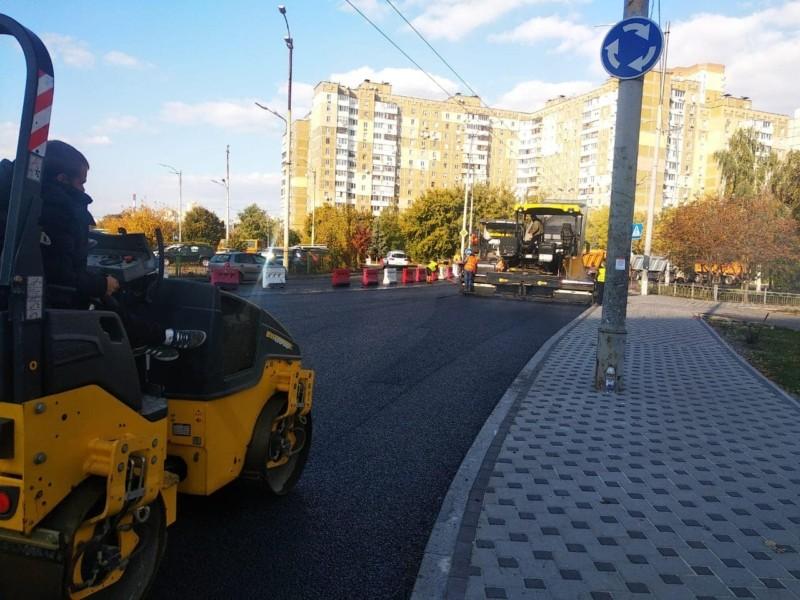 Буде з велодоріжкою: закінчується масштабний ремонт вулиці Чорнобильської (ФОТО)