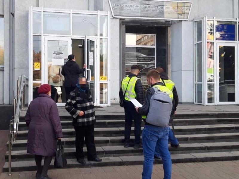 Кількадесят мільйонів гривень розкрали на ремонті ліфтів в житлових будинках