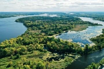 Чикрижать Голосіївський парк: деякі селища намагаються захопити землі Києва
