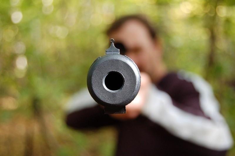 На Софіївські Борщагівці невідомий обстріляв сім'ю (ВІДЕО)