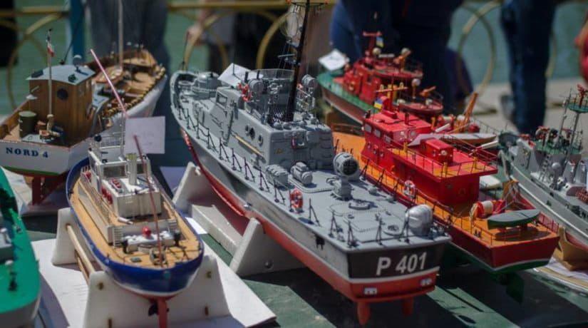 На озере в Соломенском районе прошли соревнования миниатюрных судов