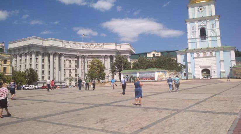 Михайловскую площадь освободили от автомобилей