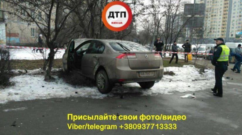 На перекрестке бульвара Перова и улицы Навои столкнулись два автомобиля, есть жертвы