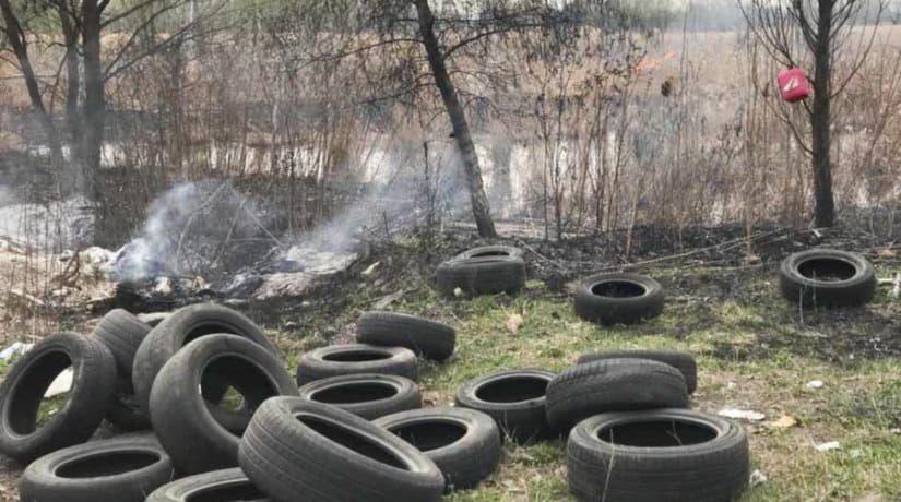 При тушении пожара возле ТЭЦ-6 обнаружена свалка автопокрышек