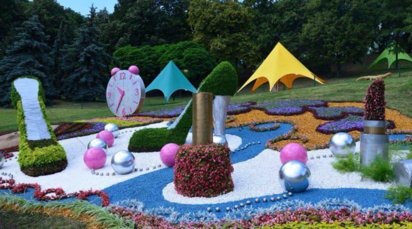 Выставку цветов на Певческом поле посетило рекордное количество людей