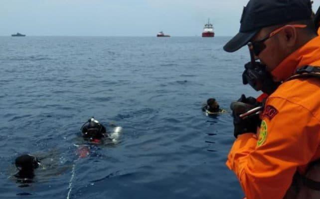 Украинцев нет в списке пассажиров потерпевшего крушение самолета в Индонезии
