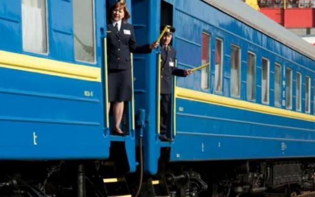«Укрзализныця» назначила дополнительные поезда на День Независимости
