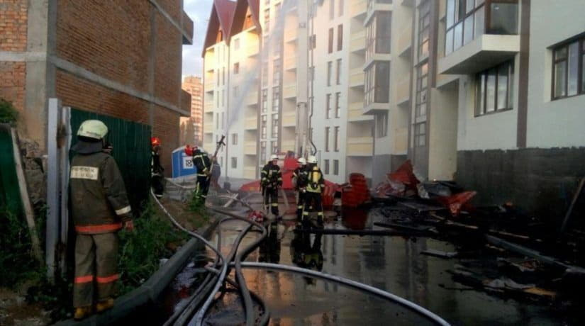 В Шевченковском районе горела недостроенная многоэтажка